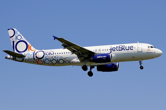 самолет JetBlue Airways